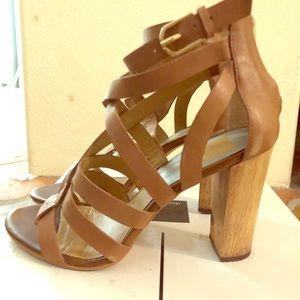 Dolce Vila wooden heel sandal